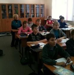 Депутат Госдумы Ольга Епифанова в пинежской школе № 117